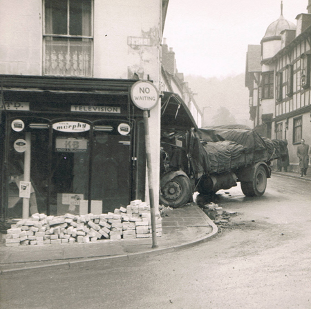 Lorry hits Lacy's on Ledbury Portal